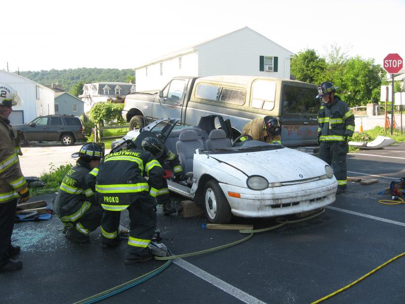BASIC VEHICLE RESCUE TRAINING CONTINUES