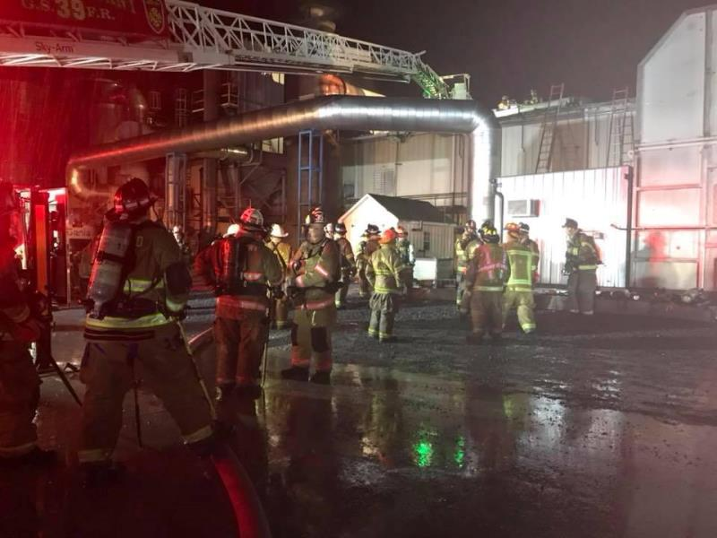 TOWER 45 ASSISTS AT A TWO ALARM BUILDING FIRE